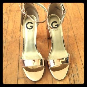 Size 7.5M - Metallic Gold - Guess by Guess Heels